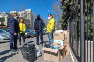Передали одесским патрульным и сотрудникам соцслужбы недельный запас средств индивидуальной защиты